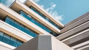 Lista de verificación de la debida diligencia técnica para los bienes raíces comerciales